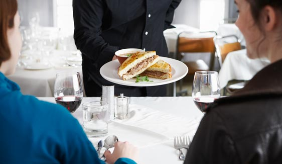 Quite business lunch with in-house made corned beef, fresh pickerel cheeks, hearty chicken salads, crispy yam frites, the best club sandwich, local craft beer, 20 wines by the glass and more